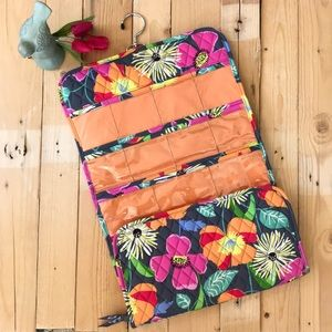 Like new! Vera Bradley travel organizer